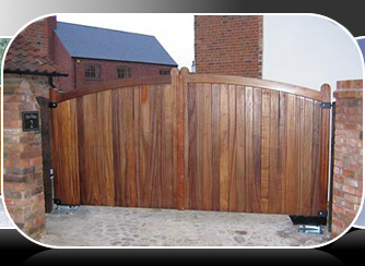 wood gates support